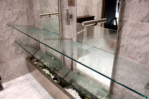 傾斜ガラス1