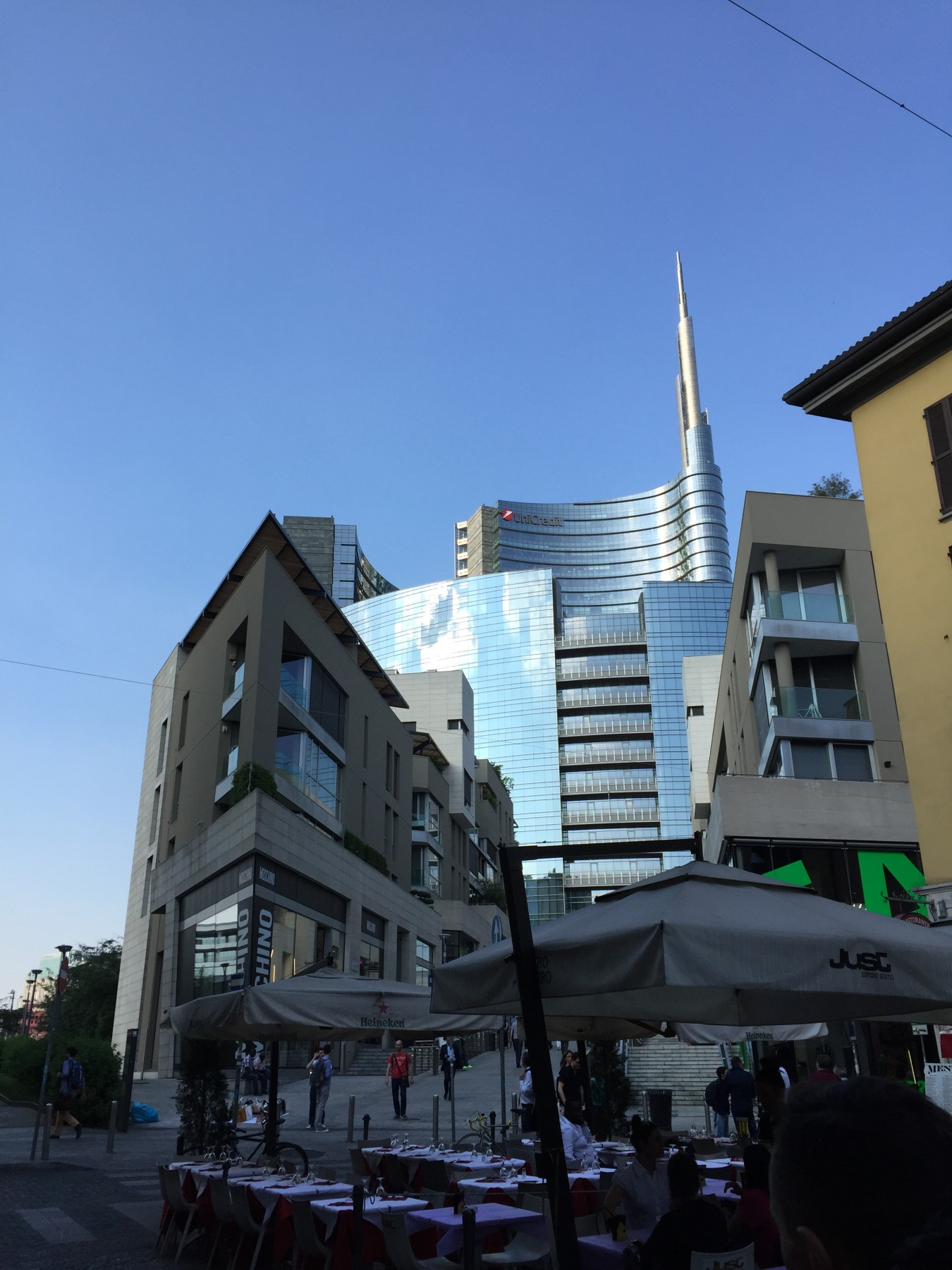 ミラノ 近代建築
